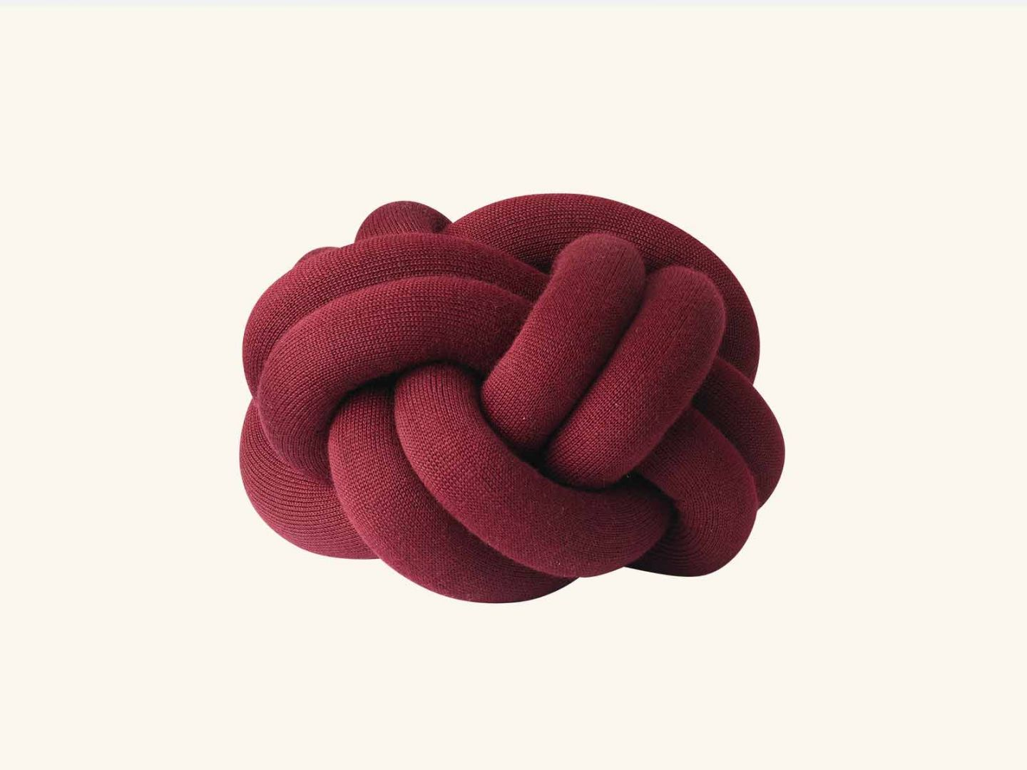 Knot cushion Bordeaux