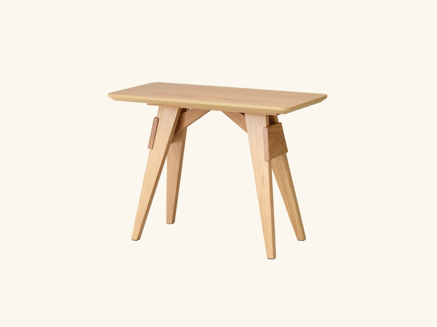 Arco small table Oak