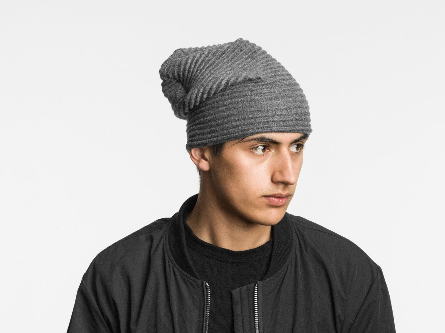 Pleece beanie hat Dark grey