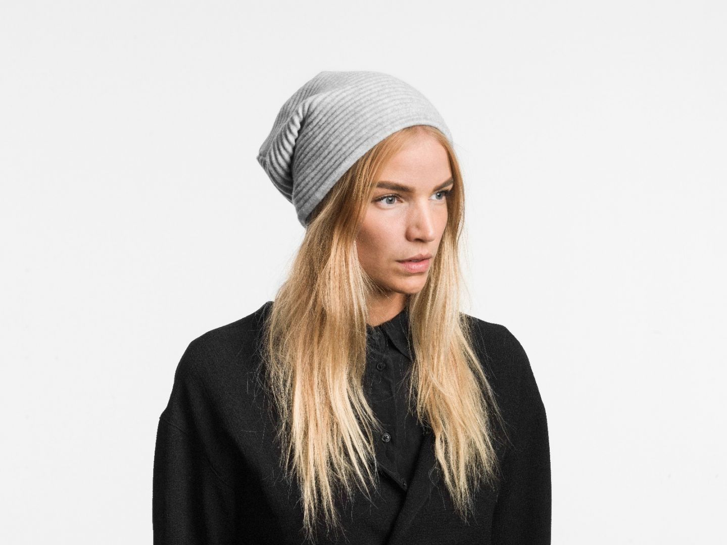 Pleece beanie hat Light grey