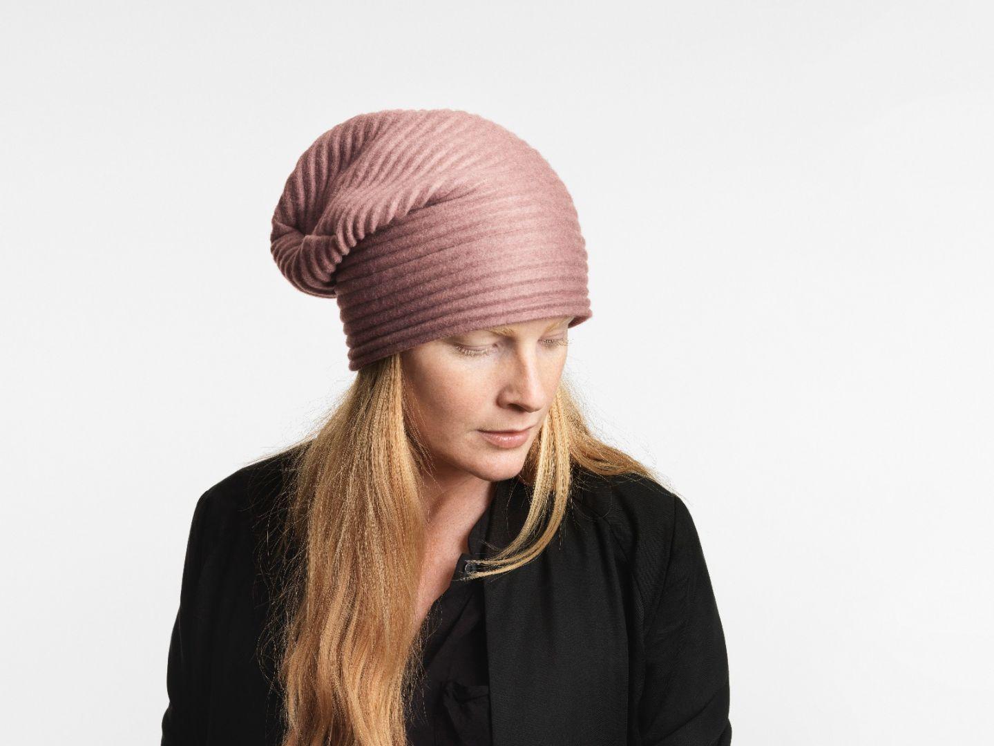 Pleece beanie hat Pink