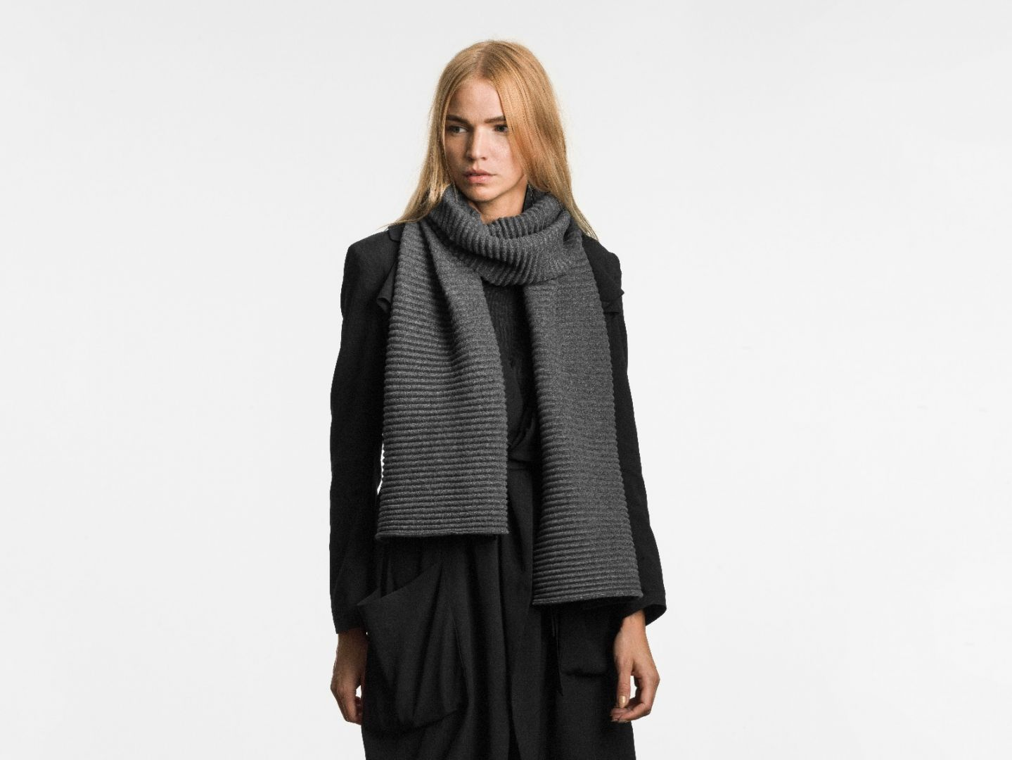 Pleece long scarf Dark grey
