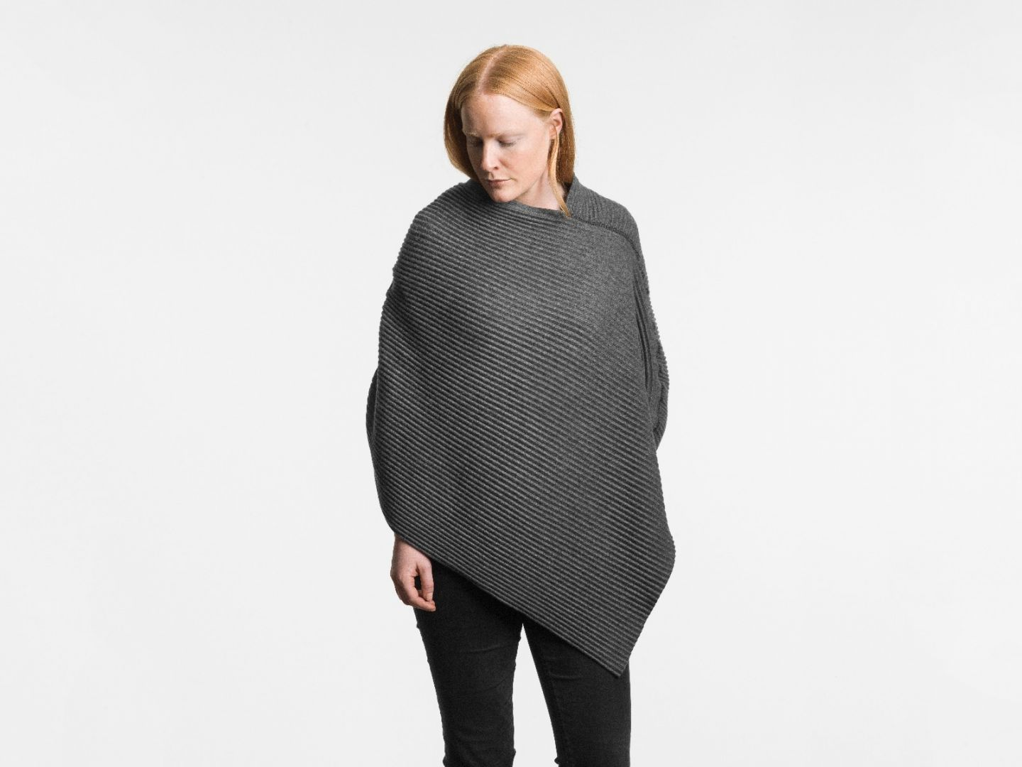 Pleece Poncho short Dark grey