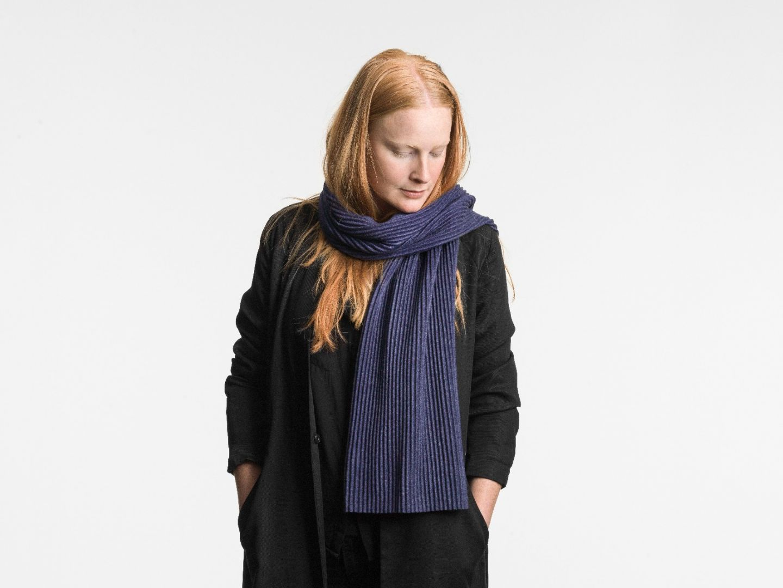 Pleece Short scarf Midnight blue