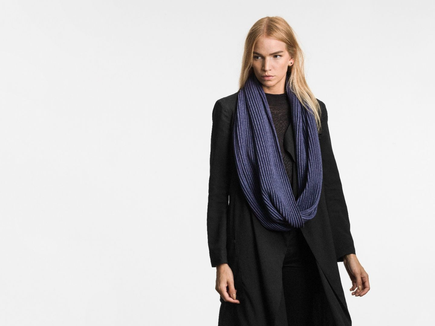 Pleece snood scarf Midnight blue