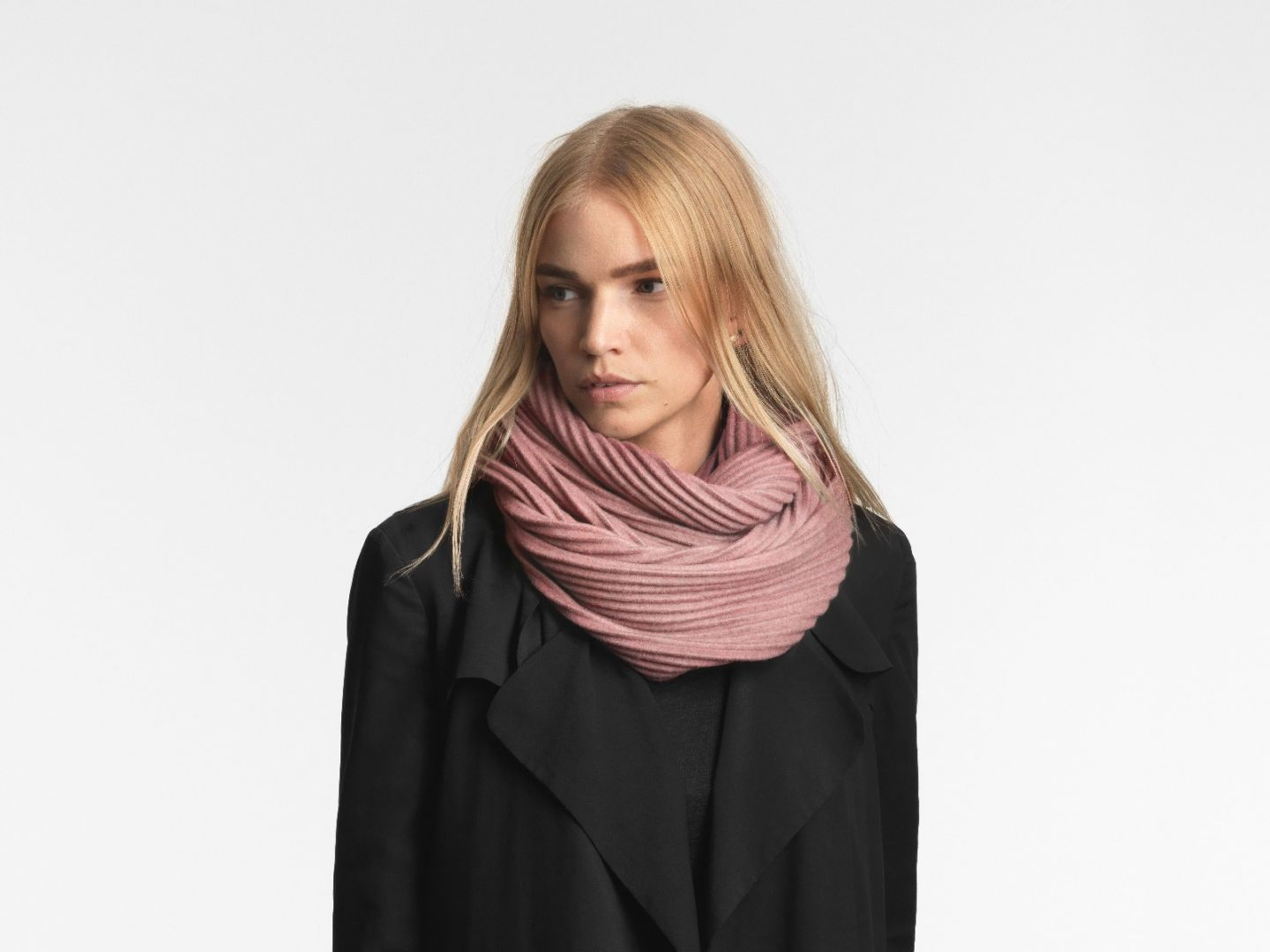 Pleece snood scarf Pink