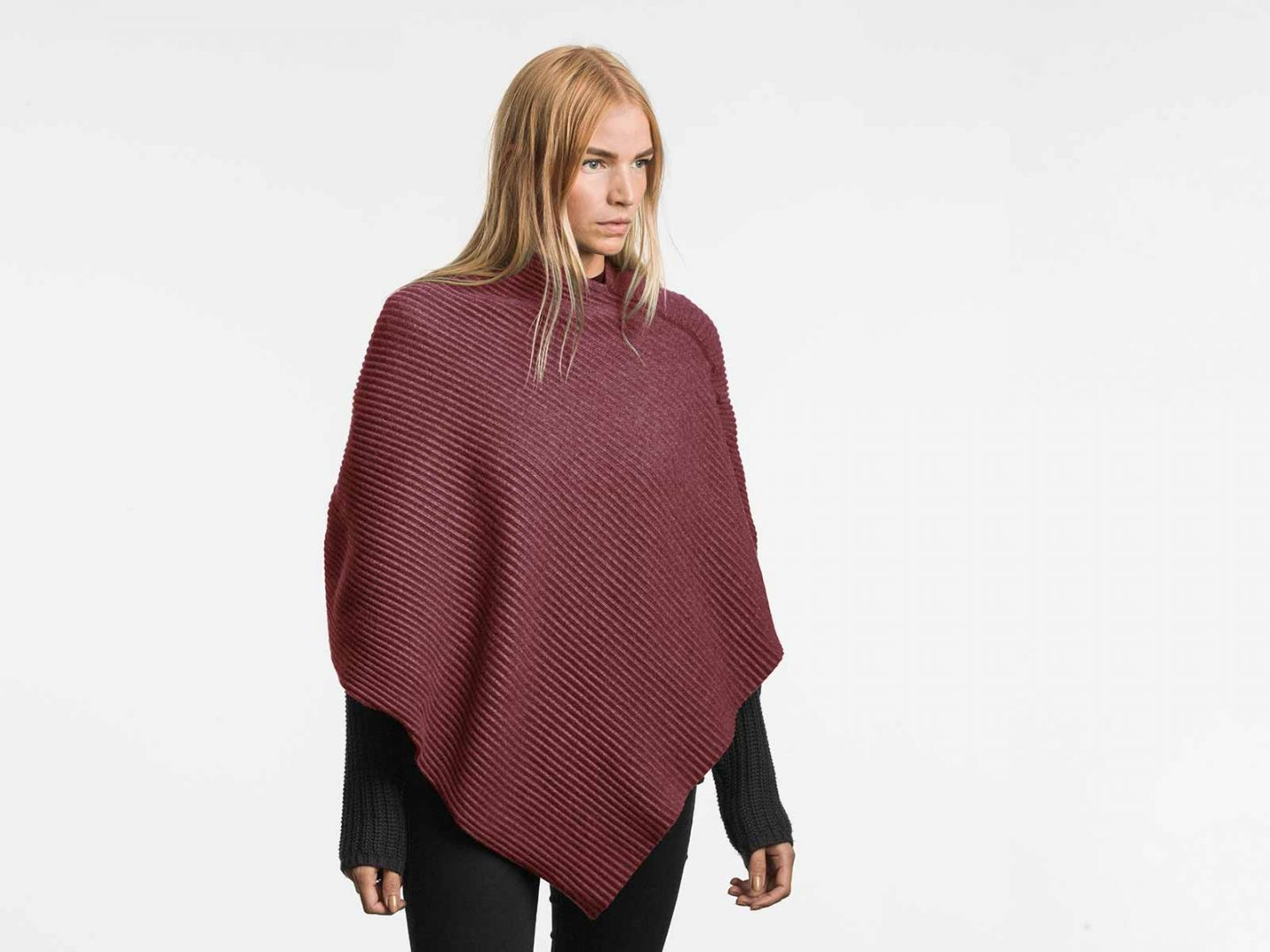 Pleece Poncho short Bordeaux