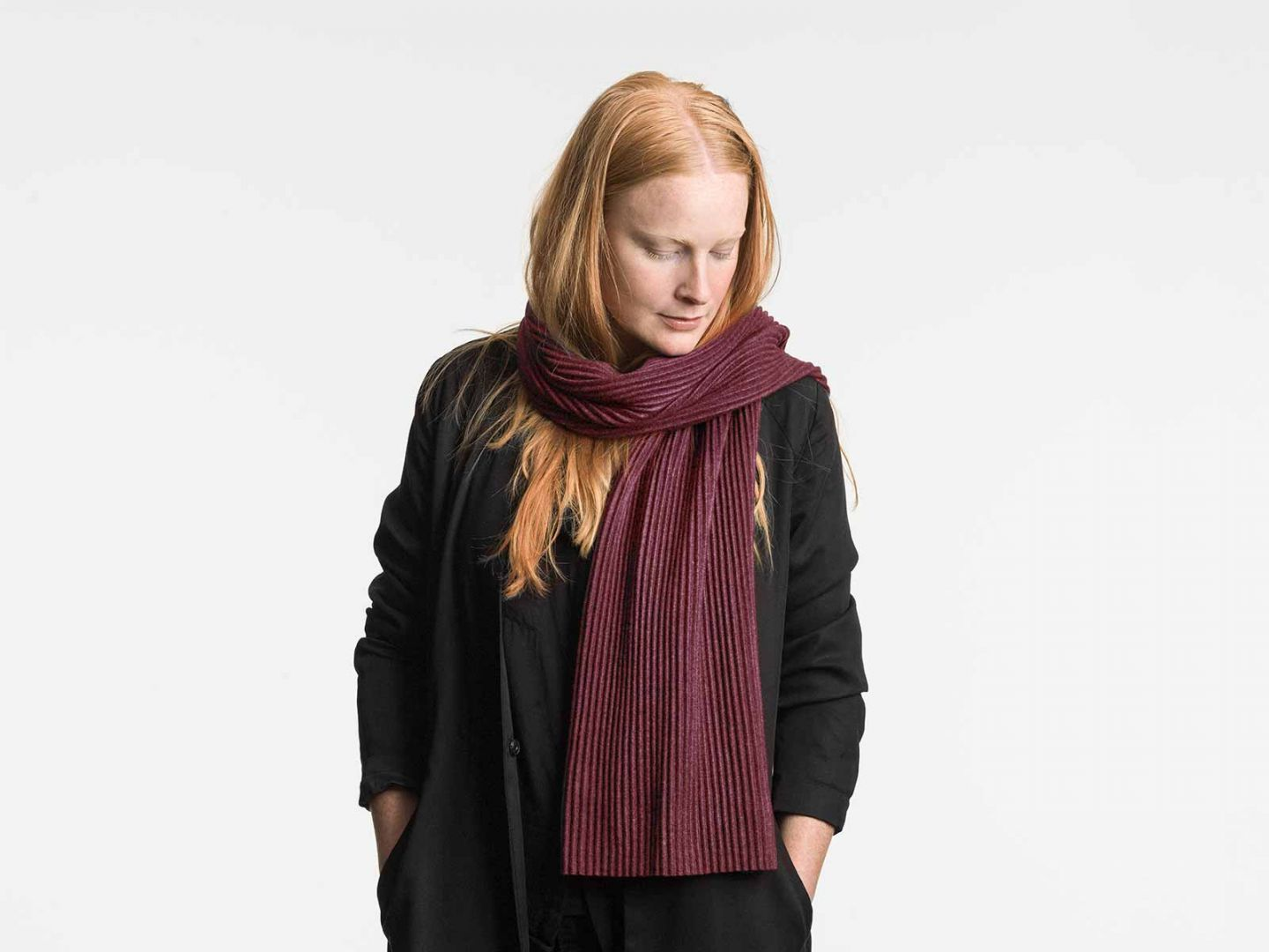 Pleece Short scarf Bordeaux